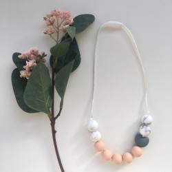 Munch Monsters Heart Teething Necklaces, Beige with Silicone Marble Beads