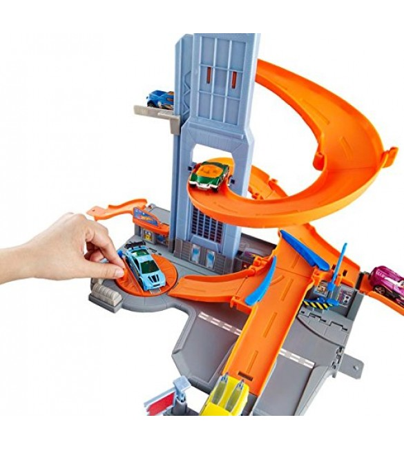 HOT WHEELS HW City Skyscraper Spiral Race Set