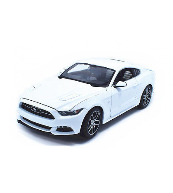 Maisto 1:18 2015 Ford Mustang GT exclusive white New in Box